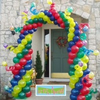 Whimsical Birthday Arch | Up, Up & Away!